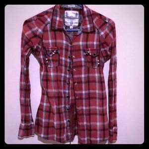 The Buckle Roar Red Black Pearl Snap Shirt Size M